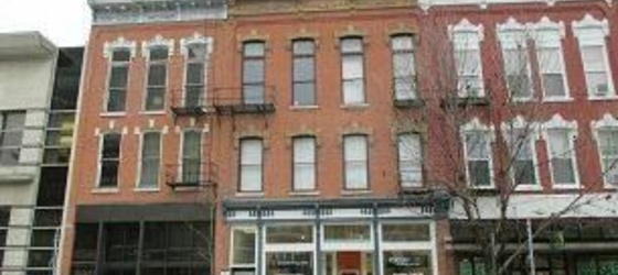 218 E Washington St Apt 1