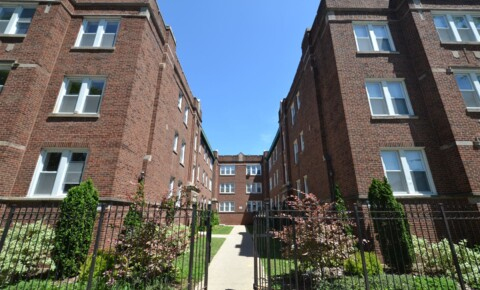 Apartments Near Northwestern 4905 N Whipple St for Northwestern University Students in Evanston, IL