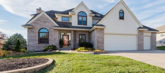 4 bedroom Papillion