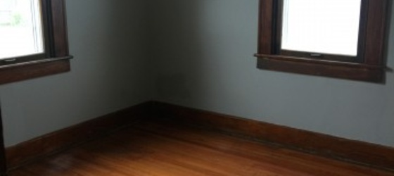 2 Rooms left for Rent in this 3 bedroom house