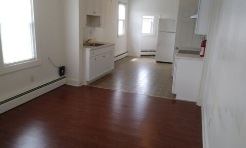 Apartments Near Rhode Island 1643 Main St 3L for University of Rhode Island Students in Kingston, RI