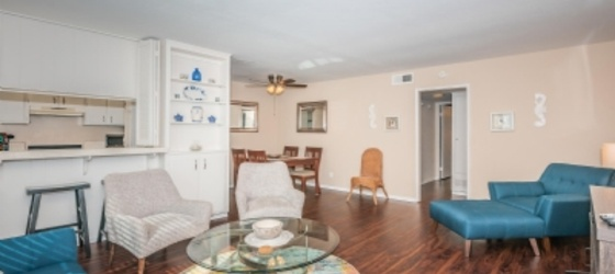 2 bedroom Pacific Beach