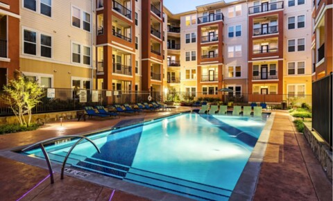 Apartments Near TCU 4000 Hulen Urban Apartment Homes for Texas Christian University Students in Fort Worth, TX