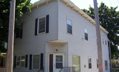 Apartments Near GVSU 924 Hovey St SW Apt 3 for Grand Valley State University Students in Allendale, MI