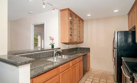 Apartments Near SDSU Master Bedroom in Lucera UTC for San Diego State University Students in San Diego, CA