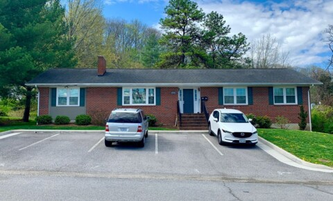 Apartments Near VA Tech 409 Fairfax St. A-B for Virginia Tech Students in Blacksburg, VA