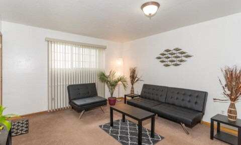 Apartments Near Butler Roommate in 2 Br 1 Bath for Butler University Students in Indianapolis, IN