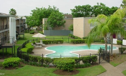 Apartments Near RGV Careers 1200 West Nolana Avenue for RGV Careers Students in Pharr, TX