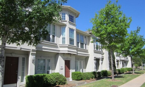 Apartments Near Texas A&M Wellington Court Condos for Texas A&M University Students in College Station, TX