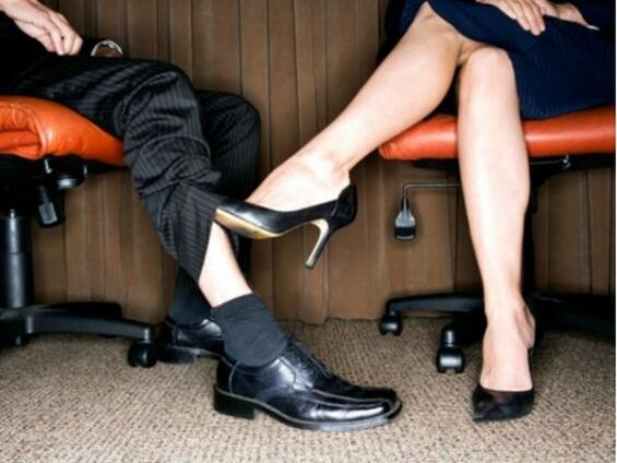 Top 10 Reasons Why Dating a Coworker is Bad - List Dose
