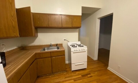 Sublets Near University of Chicago Immediately Available Apartment 2BR/1Bath near RUSH, West loop $1300 negaotiable for  sublease till Dec 2020 and can be extented. for University of Chicago Students in Chicago, IL