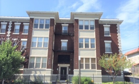 Apartments Near Avila Condo - Walking Distance to Art Institute and Plaza for Avila University Students in Kansas City, MO